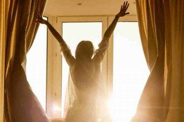 8 mẹo nhỏ để khởi đầu ngày mới trần đầy năng lượng